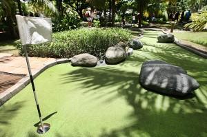 mini-golf-olimpia-water-park-albergue-olimpico